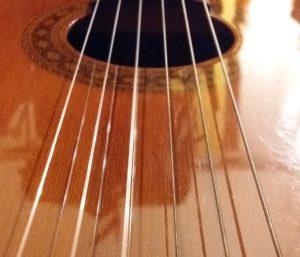 Die Gitarre und das Paar