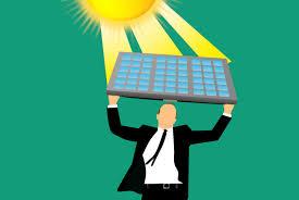 ein Comic, ein Mann hält ein Solarpaneel wie ein Schild über seinem Kopf und fängt damit Sonnenstrahlen ein
